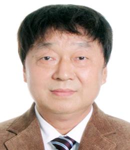 1何向东,西南大学二级教授,博士生导师,现任重庆人文科技学院校长_副本.jpg