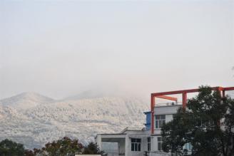 校园雪景五