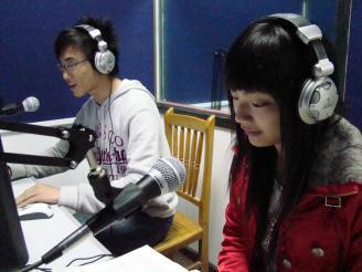 播音专业学生在实训